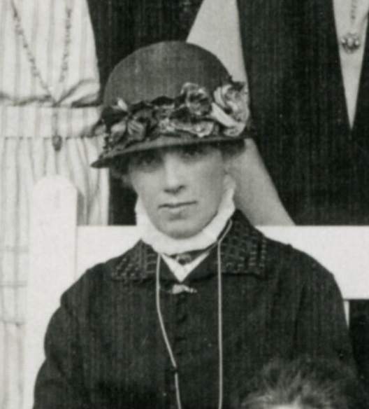 Black and white photograph of Charlotte Measham, from the class photograph of 1922.