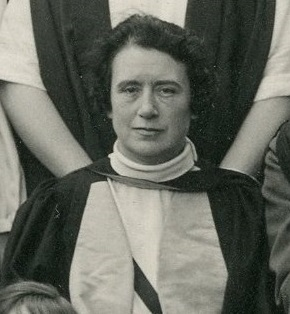 Black and white cropped photograph of Dr Miles Thomas, 1926