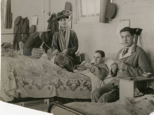 Black and white photograph of therapeutic basketry at the 5th Northern General Hospital, Leicester, during World War I.
