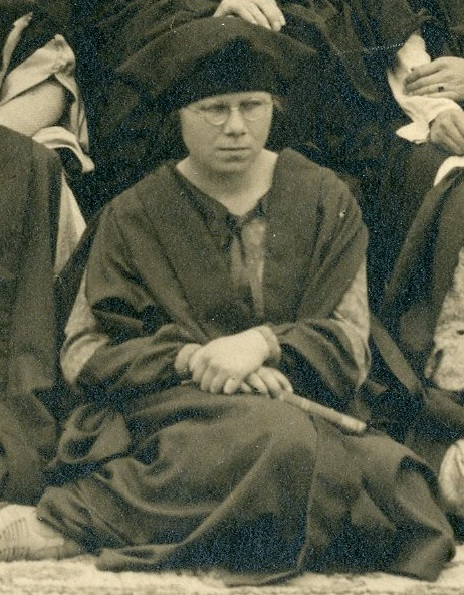 Cropped photograph of Mollie Phoebe Rippin in the summer she graduated, from the class photo of 1927. University of Leicester Archives, ULA/FG5/1/5.