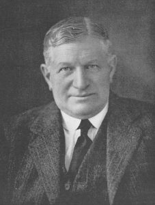 Portrait photo of Harry Percy Gee